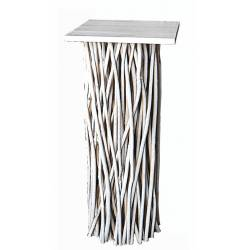 Pedestal cuadrado blanco con tapa