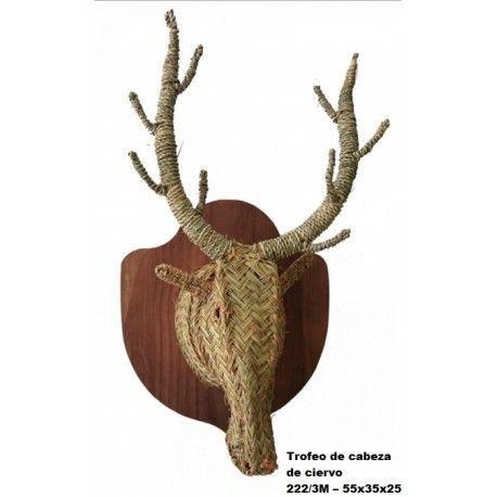Trofeo de cabeza de ciervo esparto