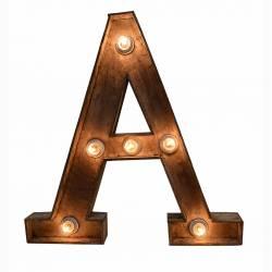 Letra A madera con luz