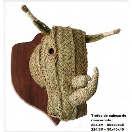 Trofeo de cabeza de rinoceronte esparto