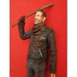 MCF14679-CHASE Figura Negan The Walking Dead Version ensangrentado