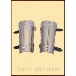 1016901700 Protectores de antebrazo o brazales de acero con remaches