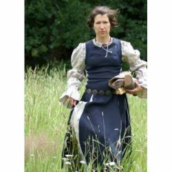 1276700000 Corpino o blusa medieval hecho de lino